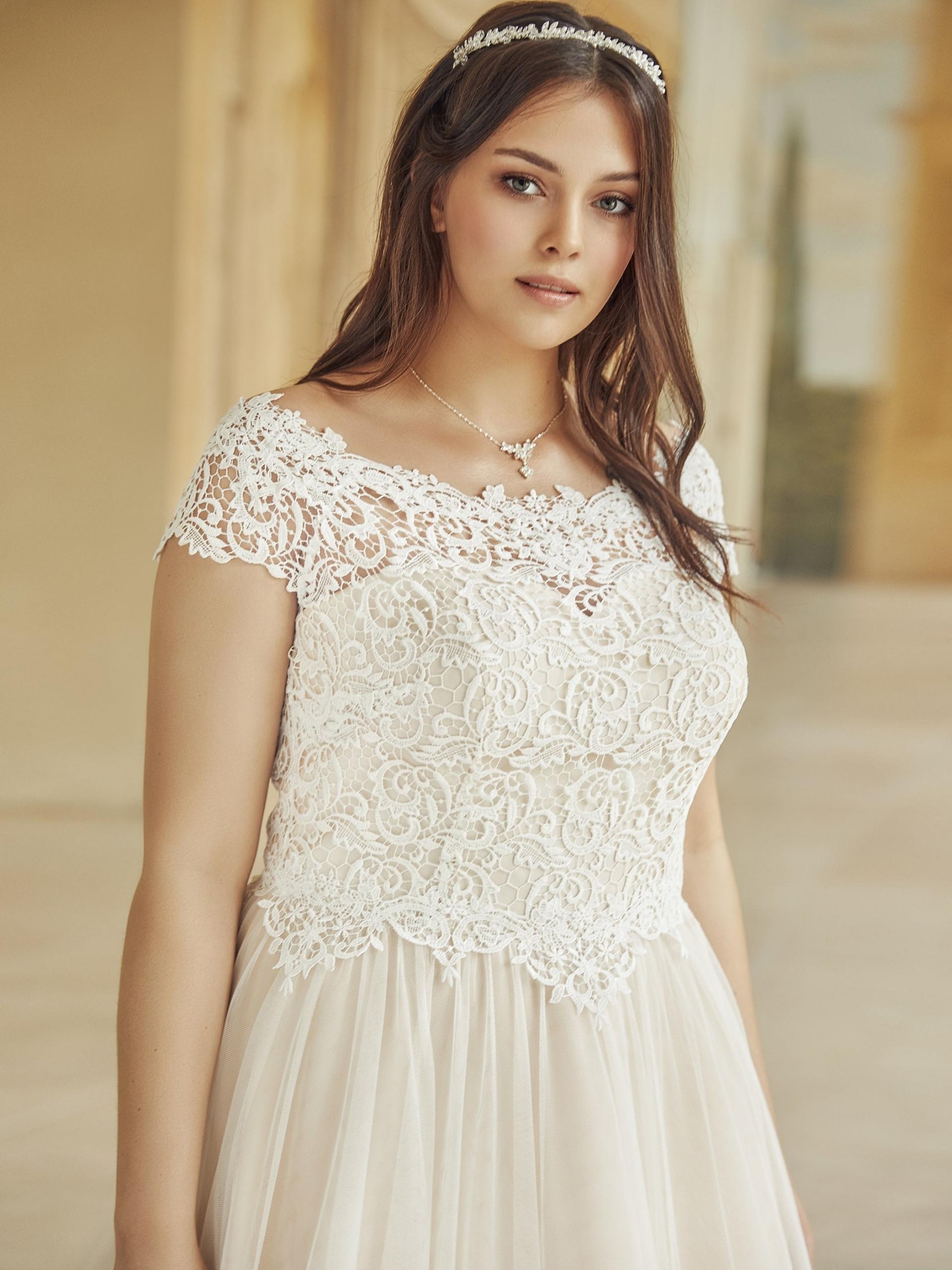 SERENA-plus-size-Bianco-Evento-bridal-dress-1 - Liebreiz ...